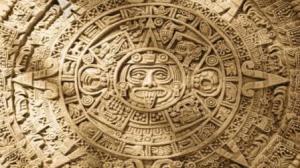 divinità al centro del calendario azteco con la lingua sporgente