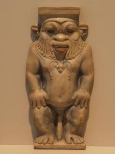 il dio Bes  la cui lingua è sporgente come la Gorgone di Tell Dor